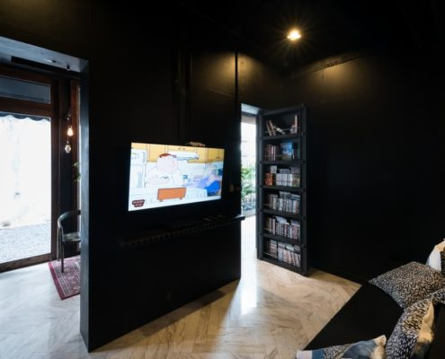 TV, latelier poshtel, Hostel, phuket town